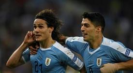 Un 'SuperAtleti': el Cholo quiere juntar a Suárez y a Cavani. AFP