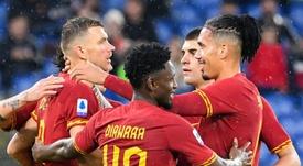 Mourinho garde un oeil sur Dzeko. AFP
