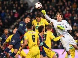 Bagarre entre supporters de Nantes et du PSG avant le match. AFP