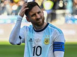 Abreu aconsejó a Messi por la posible sanción. AFP