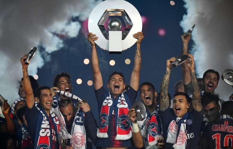 La LFP met un terme à la saison de Ligue 1 et attribue le titre au PSG. AFP