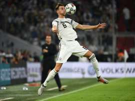 Leon Goretzka contrôle le ballon face à la France en Ligue des Nations. AFP