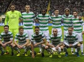 L'équipe du Celtic pose au Celtic Park, le 12 septembre 2017 à Glasgow. AFP