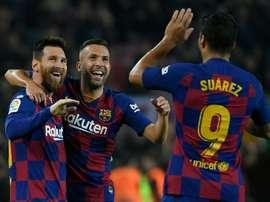 Jordi Alba vuelve al once azulgrana mes y medio después. AFP/Archivo
