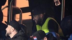 Neymar viu o PSG e Dijon da arquibancada. AFP/Archivo