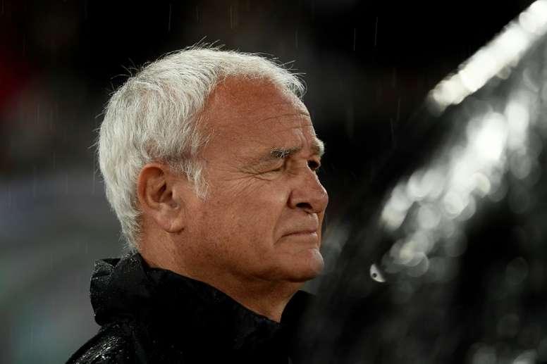 Claudio Ranieri está a un paso de entrenar a la Sampdoria. AFP/Archivo