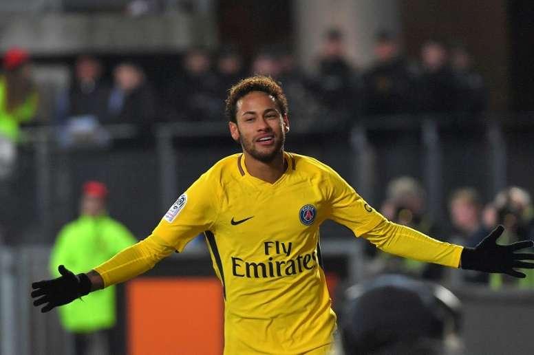 Neymar suma y sigue. AFP