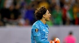 Neuer cree que Ochoa tiene nivel para un grande de Europa. AFP