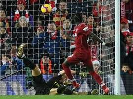 El Liverpool sacó un punto frente al Leicester. AFP