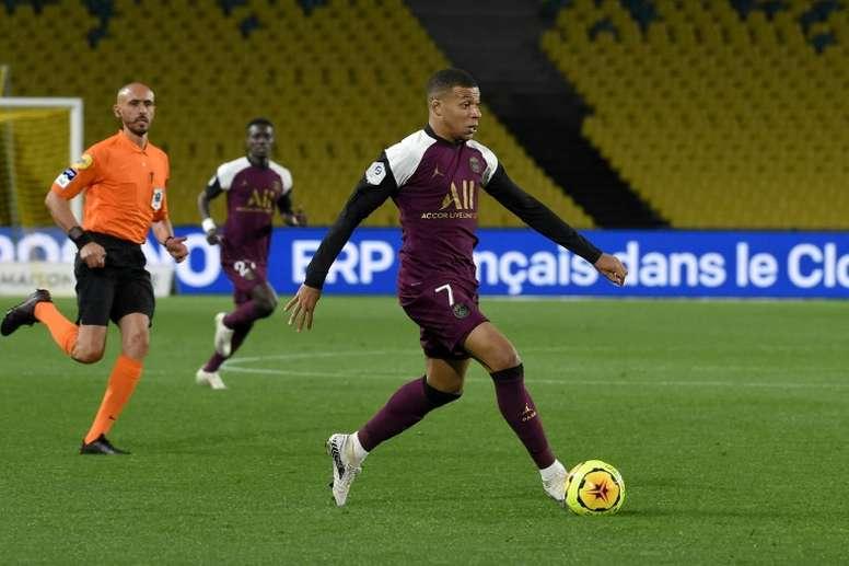 Mbappé, Neymar et Di Maria titulaires. AFP