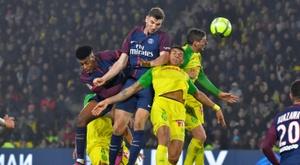 Torcedores radicais das duas equipes se enfrentaram. AFP