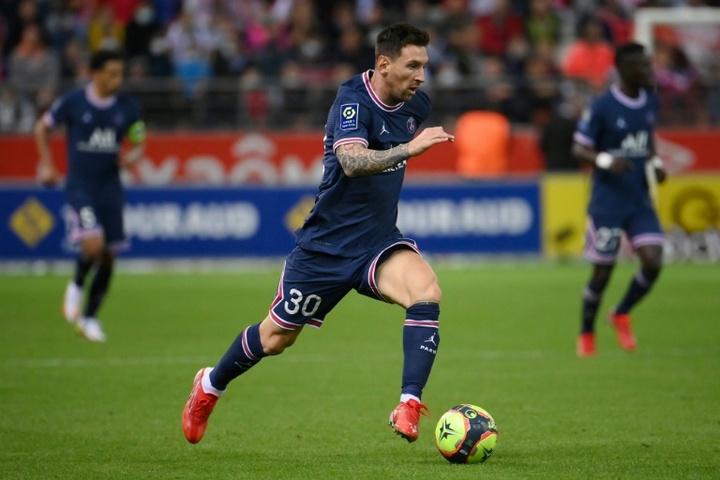 Messi debutó en Champions con el PSG ante el Brujas. AFP