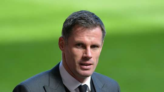 Carragher ironizou Dest. AFP