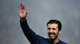 El portero italiano dejó fuera a Modric. AFP