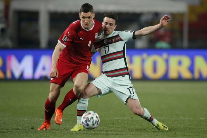 Milenkovic intéresse Tottenham. AFP