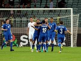 Les joueurs de lAzerbaïdjan se congratulent après un but contre la Norvège, le 8 octobre 2016. AFP