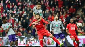 Le foot belge choisit d'arrêter définitivement la saison. AFP