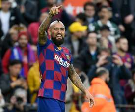 Barca want to keep on counting on Arturo Vidal. EFE