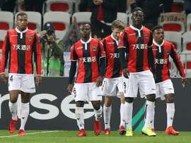 El Niza logró el pase a dieciseisavos de final de la Europa League gracias a Balotelli. AFP