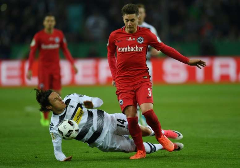 Man Utd's Varela gets tattoo to end German career. AFP