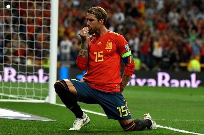 Sergio Ramos aprovechó su gol para hacer pública su pedida de mano. AFP