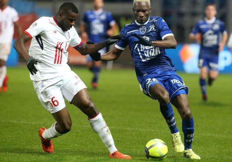 Amadou seguirá en el Lille. AFP