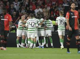 Les joueurs du Celtic se congratulent après leur égalisation sur penalty face à Rennes. AFP