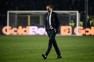O Everton sonda Massimiliano Allegri. AFP