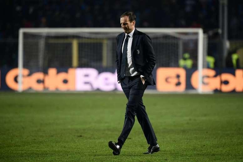 Allegri así se lo habría transmitido al mandamás del Cagliari. AFP