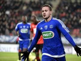 Lattaquant Julien Bègue après avoir signé légalisation pour Bourg-en-Bresse à Rennes en Coupe de France, le 19 janvier 2016