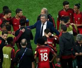 Fernando Santos chamou Neto e Mário Rui.EFE