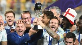 L'Angleterre fête son titre de championne du monde U20. AFP