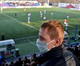 Au Bélarus, le foot et la vie presque comme d'habitude. AFP