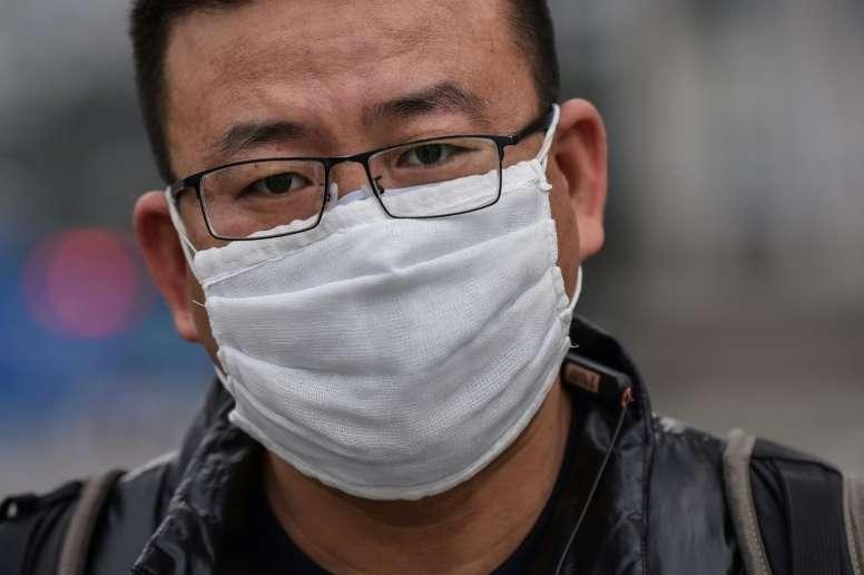 El Granada colabora desinfectando mascarillas. AFP