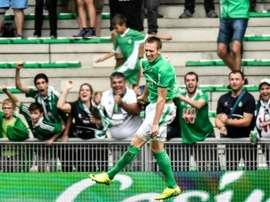 L'attaquant slovène de Saint-Etienne Robert Beric célèbre un but. AFP