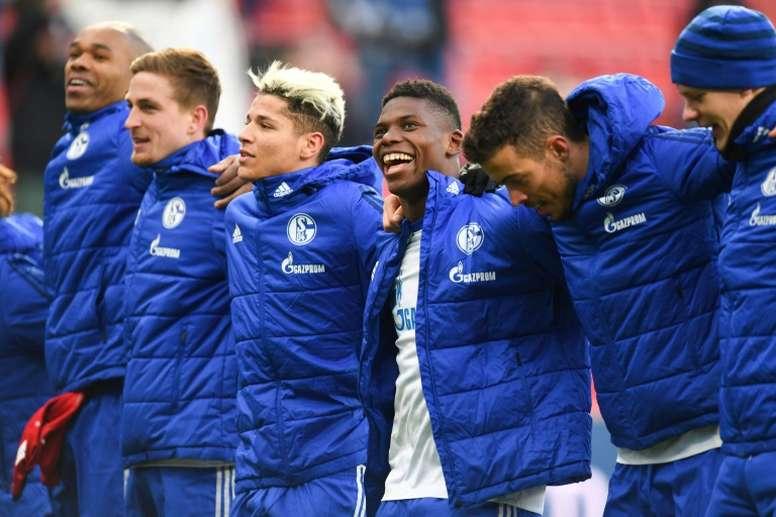 Les joueurs de Schalke après leur victoire sur Leverkusen, en match de Bundesliga. AFP