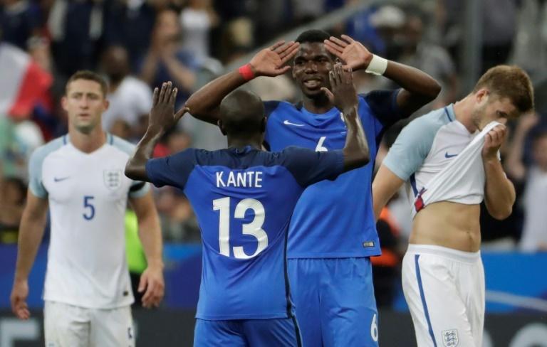 France : la réaction de Deschamps au report de l'Euro