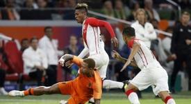Holanda se impuso por dos goles a uno a Perú. AFP