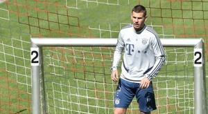 Bayern teria começado a cogitar a venda de Lucas. AFP