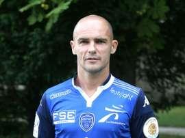 Le milieu de Troyes Benjamin Nivet pose au centre d'entraînement du club à Bar-sur-Aube. AFP