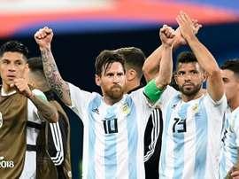 Los argentinos confirmaron su pase a octavos. AFP