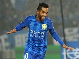 Le Brésilien Alex Teixeira de Jiangsu Suning buteur face à Shandong en Championnat de Chine. AFP