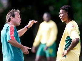 Pierre Lechantre encadenó dos derrotas consecutivas, ante Egipto y Uganda. AFP
