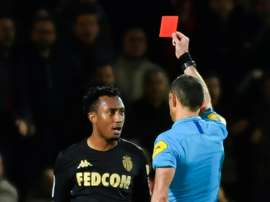 O português havia sido expulso e agrediu o árbitro. AFP
