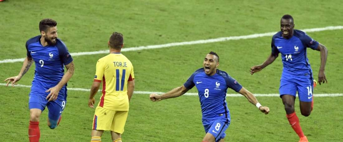 La joie de Dimitri Payet, auteur du but de la victoire des Bleus sur la Roumanie, en ouverture de lEuro-2016, le 10 juin au Stade de France