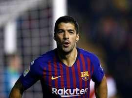 Suarez regala i tre punti al Barça. Goal