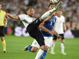 El jugador está cedido por el Schalke 04. AFP