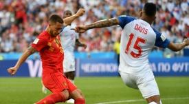 Eden Hazard takes on Panama defender Erick Davis in the World Cup 2018