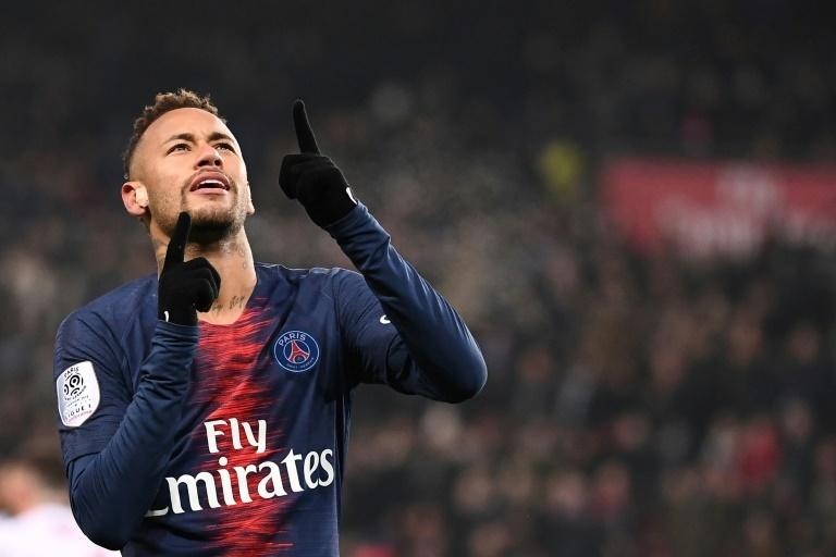 Neymar touché au pied droit, risque de rechute | Soccer