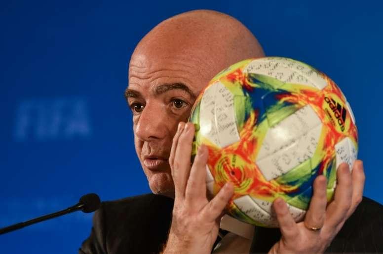 La FIFA pretende acabar con la especulación en las cesiones. AFP